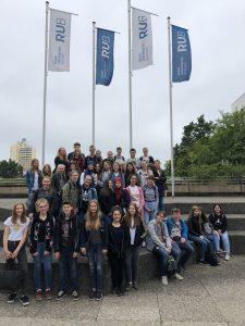 Lateiner schnuppern Campusluft in Bochum – Exkursion in das Alfried-Krupp-Schülerlabor der RUB